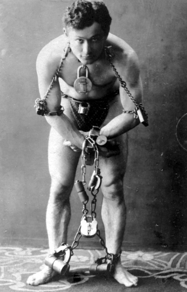 Harry Houdini circa 1899 *Photo via The Library Of Congress