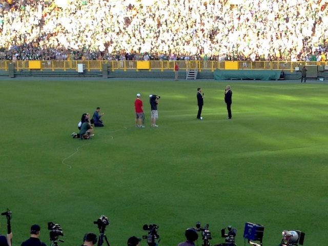 FAVRE On Field 03