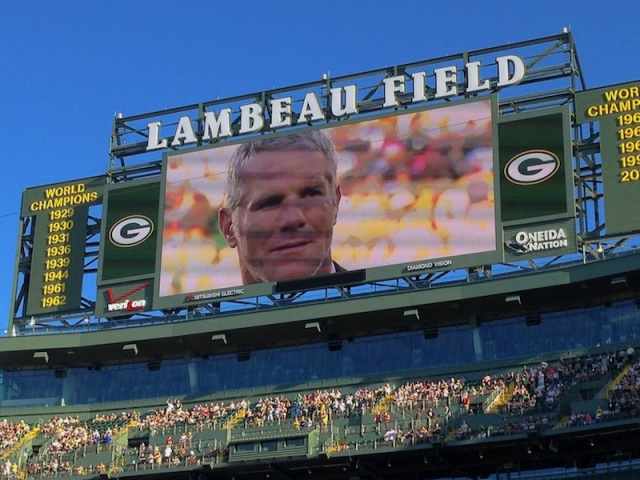 FAVRE On Screen 06