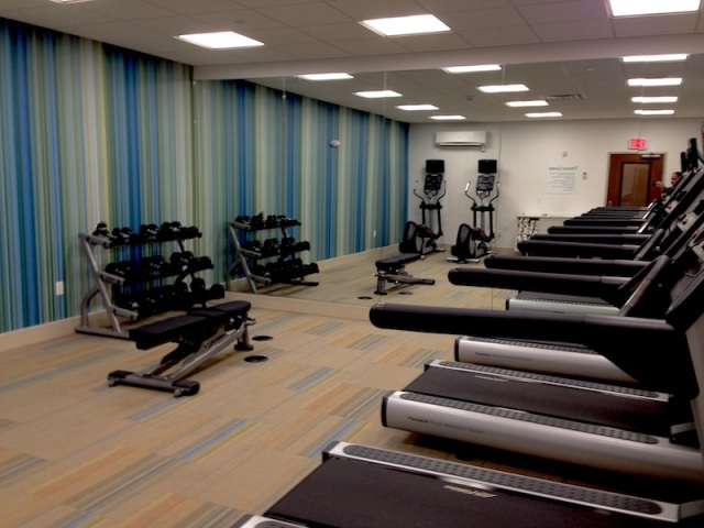Fitness Room 03